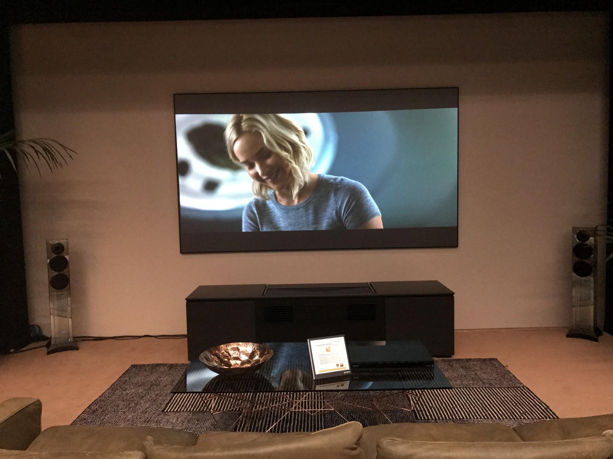 Videoprojecteur Sony hdr ultra courte focale VPL-VZ1000ES a Cap d'Antibes