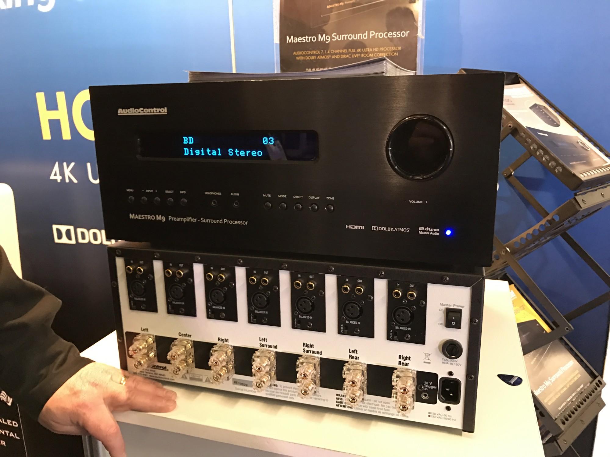 Vue arrière du processeur Dolby ATMOS Audiocontrol M9