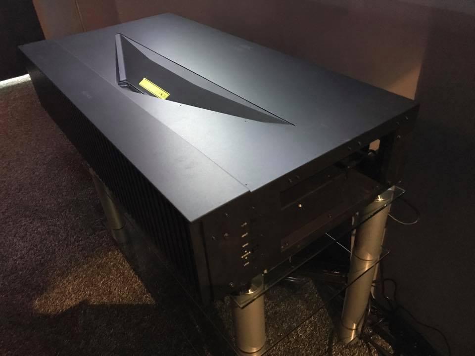Videoprojecteur SONY VPL-VZ1000ES à St Remy de Provence