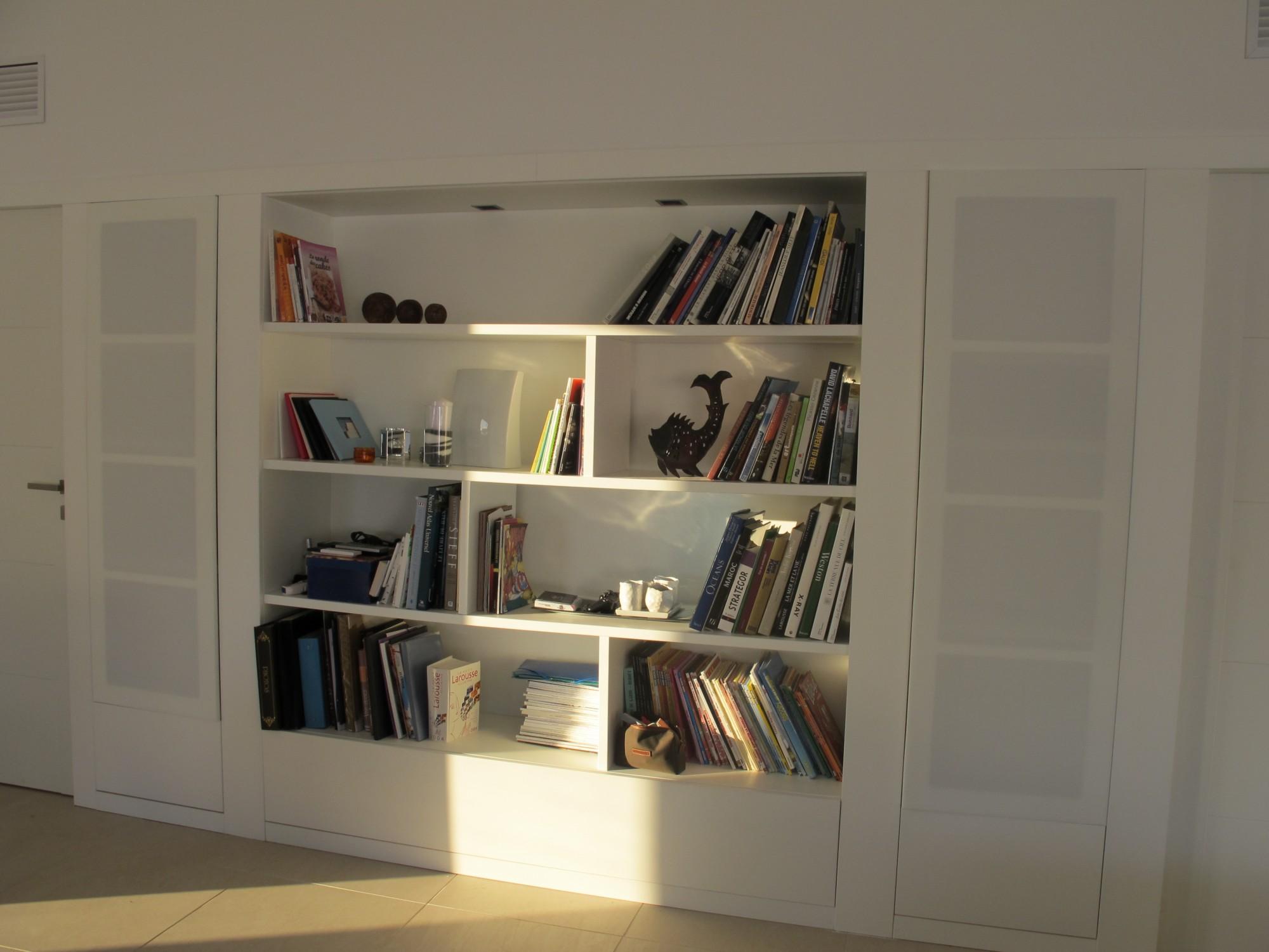 aménagement de bibliothèque pour home cinema